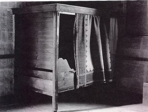 Enclosed Bed by Illustrated History Of The Bed Looky