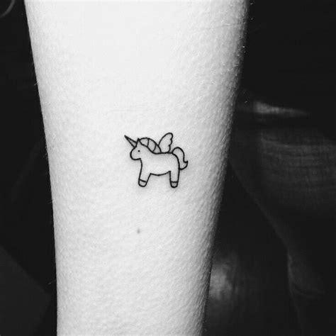small tiny tattoo unicorn small tattoos tatu bulavki