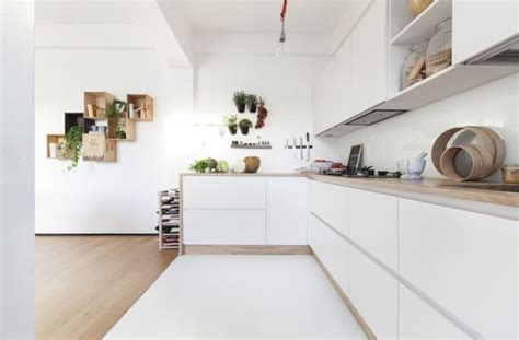 cuisine blanche en bois cuisine blanche plan de travail bois inspirations de déco
