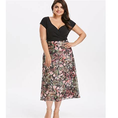 Women Cap Sleeve Floral Fit And Flare Plus Size V Neck
