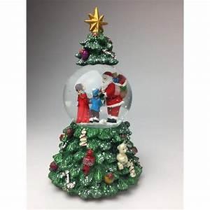 Boule De Neige Noel : dans un sapin de no l avec p re no l distribuant des cadeaux ~ Zukunftsfamilie.com Idées de Décoration