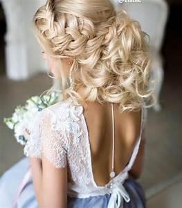 Chignon Demoiselle D Honneur Mariage : les 25 meilleures id es de la cat gorie coiffures demoiselles d 39 honneur sur pinterest ~ Melissatoandfro.com Idées de Décoration