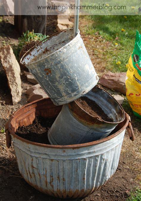 Primitive Tipsy Pot Planter Diy Upcyle The Garden