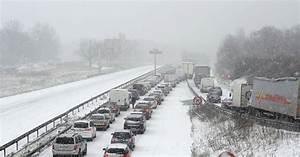Autoroute Rennes Paris : la n118 sous la neige a bloqu entre 1500 et 2000 personnes toute la nuit une vacuation est ~ Medecine-chirurgie-esthetiques.com Avis de Voitures
