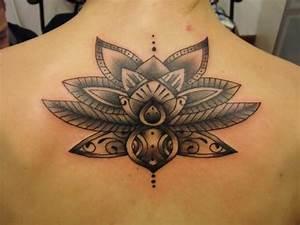 Fleur Lotus Tatouage : tattoo fleur de lotus dos femme ~ Mglfilm.com Idées de Décoration