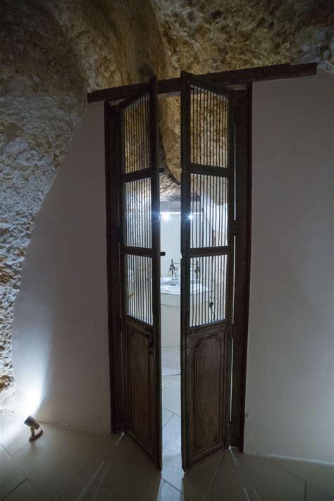 chambre troglodyte touraine nuit insolite dans une chambre troglodyte au château de