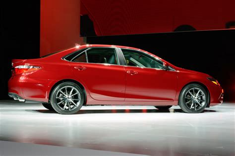 2015 Toyota Msrp by 2015 Toyota Camry Unveiled At The New York Auto Show