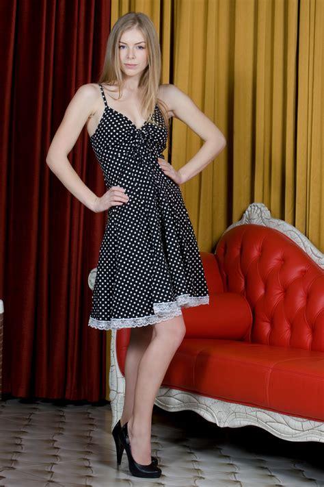 Blonde Women Model Hands On Hips Long Hair