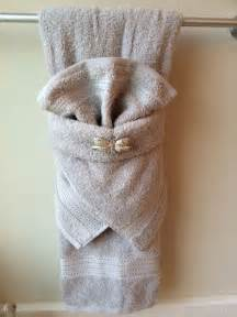 bathroom towel folding ideas 25 best ideas about bathroom towel display on towel display decorative towels and