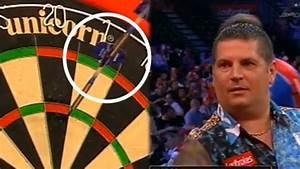 Match Die Bilder : unglaublicher robin hood wurf bei dart wm mehr sport ~ Watch28wear.com Haus und Dekorationen