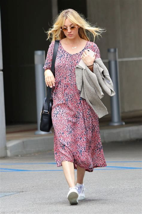 Kaley Cuoco Out About Los Angeles