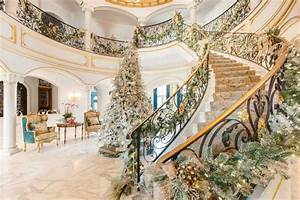 Inside a River Oaks home with luxe holiday décor - Houston