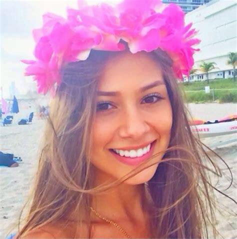 Neymar girlfriend Gabriella Lenzi in bikini on Instagram ...