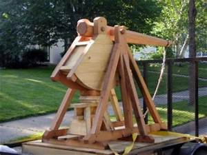 Eight online trebuchet and catapult plans and blueprints