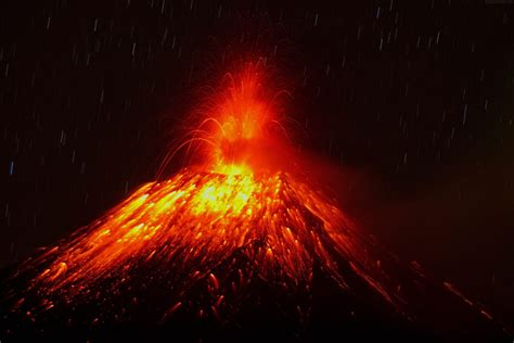 Volcano Wallpapers - Page 3