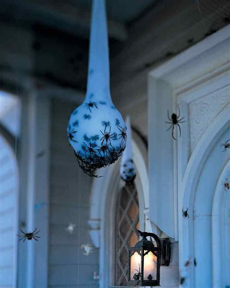 10 Scary Halloween Decorations That You Can Diy