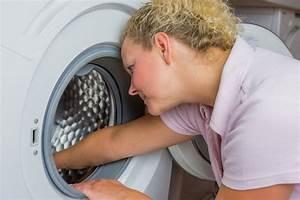 Frisch Gewaschene Wäsche Stinkt : hilfe die waschmaschine stinkt wie sie modrigen geruch verhindern ~ Frokenaadalensverden.com Haus und Dekorationen