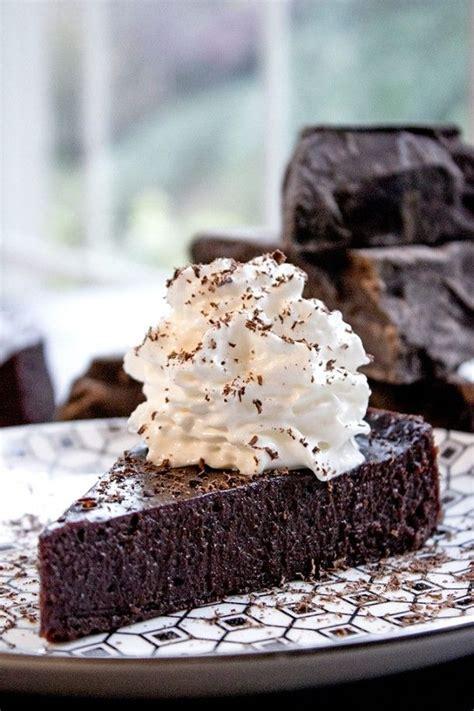 ideas  flourless chocolate cakes