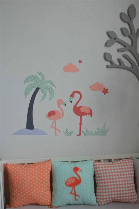 deco chambre de bébé décoration chambre bébé flamant palmier étoiles
