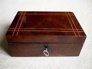 Petite Boite En Bois : petite boite en bois ancienne r ve de brocante ~ Teatrodelosmanantiales.com Idées de Décoration