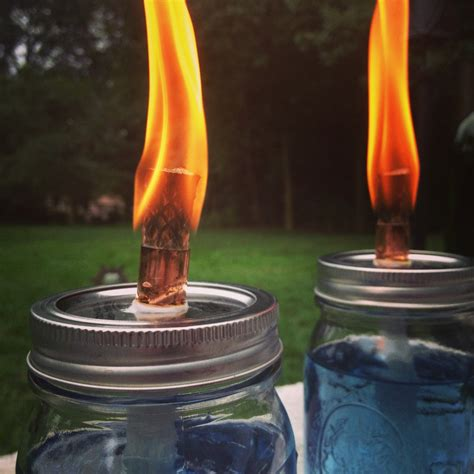 Candele Citronella by Diy Citronella Candles To Keep The Pesty Bugs Away