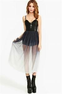 comment porter une robe noire en journee la mode des With comment porter une robe patineuse