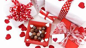 Valentine's Day Gift Guide For New Flings and Longtime ...