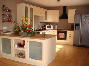 deco cuisine peinture orange divers besoins de cuisine With cuisine idée déco