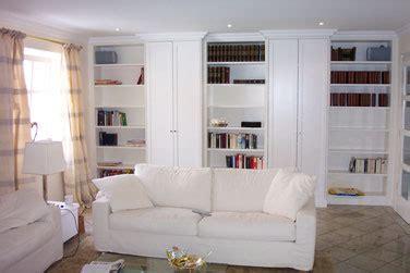versenkbarer fernseher möbel wohnzimmer zum wohlf 252 hlen holzm 246 bel