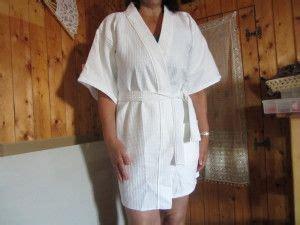 patron robe de chambre femme voici un modèle de peignoir en nid d 39 abeille tout simple à