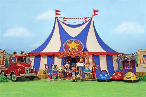 milkshake  ups komixx medias tobys travelling circus