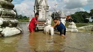 Günstige Häuser In Thailand : monsun setzt tausende h user und tempel in thailand unter wasser panorama ~ Orissabook.com Haus und Dekorationen