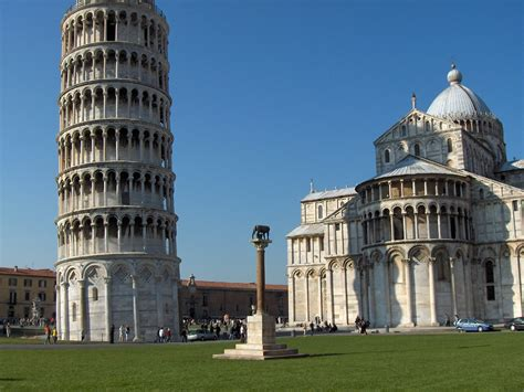 tourism adventure pisa tower