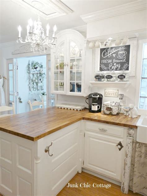 shabby chic cottage kitchen 25 best ideas about cottages on country 5140
