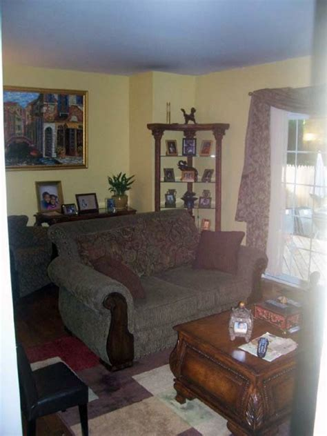 Odd Shaped Living Room Decorating Idea Ayanahouse