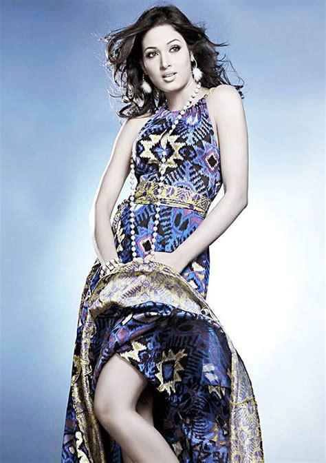 south actress models vidisha srivastava hot gallery