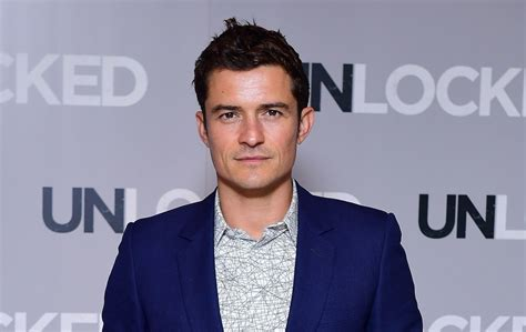 Orlando Bloom compares Emma Stone to his character in Lord ...