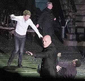 Benedict Cumberbatch stars in Hamlet production at London ...