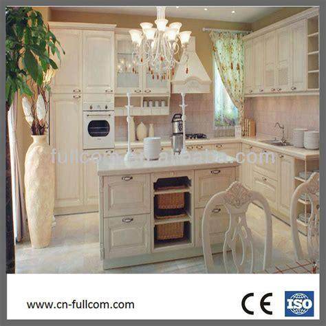 armoire coulissante cuisine modern style cagnard blanc armoires de cuisine en bois