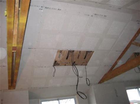 plaque de platre pour plafond acoustique et decorative dcm plaquiste