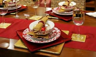 theme centerpiece 28 christmas dinner table decorations and easy diy ideas