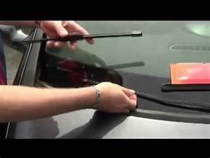 Essuie Glace Clio 3 : comment changer un balai d 39 essuie glace sur clio 3 youtube ~ Melissatoandfro.com Idées de Décoration