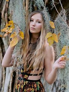 Teen, Girl, Pose, Ideas, For, Senior, Photos, In, Myrtle, Beach, South, Carolina