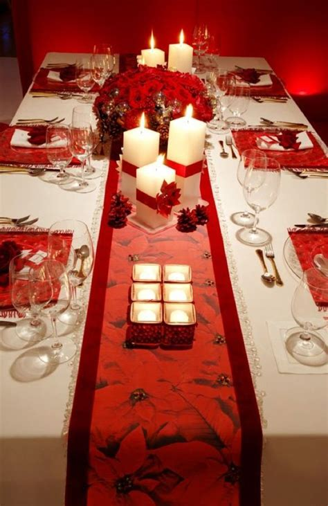 Dining Room Table Centerpiece Ideas by 22 Christmas Centerpieces That Will Embellish Your Dining