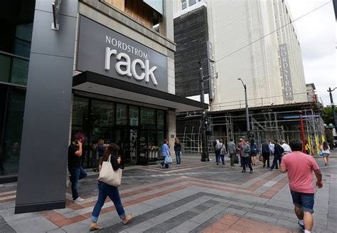 nordstrom rack syracuse nordstrom rack apologizes after falsely accusing black