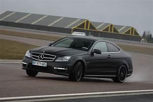 Mercedes Classe C Noir : les essais de soheil ayari mercedes c63 amg coup ~ Dallasstarsshop.com Idées de Décoration