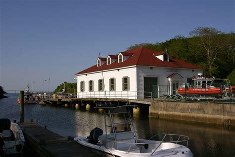 Uscg  Coast Guard Station Castle Hill Overseas, Rhode