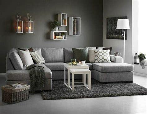 canapé au sol déco salon gris 88 idées pleines de charme