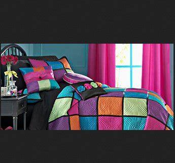 bedroom makeover contest seventeen magazine 25 000 bedroom makeover sweepstakes 10555 | 25000 bedroom makeover sweepstakes 9927