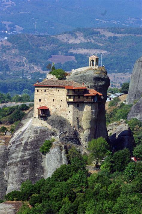 35 beautiful photos of Meteora monastery in Greece   BOOMSbeat